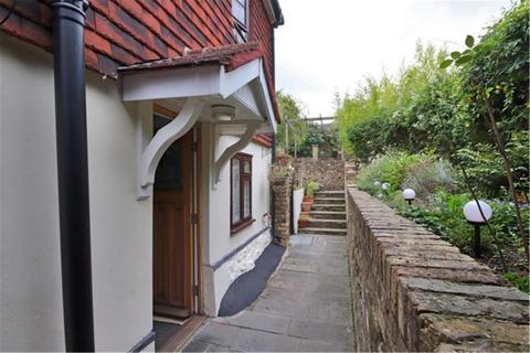 3 bedroom semi-detached house for sale - 30a London Road, Riverhead, Kent, SEVENOAKS, TN13
