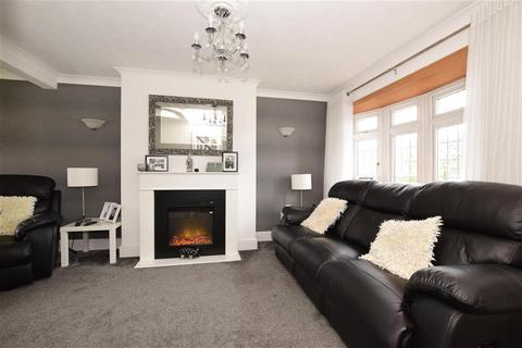5 bedroom terraced house for sale - Navarre Gardens, Romford, Essex