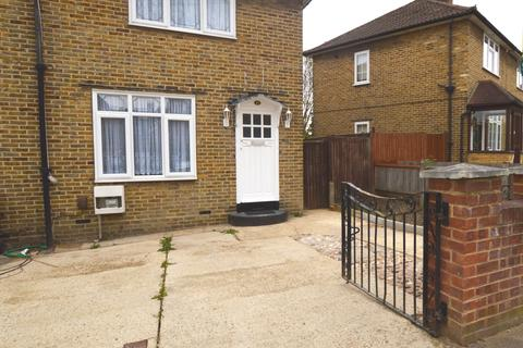 2 bedroom semi-detached house to rent - Meerbrook Road London SE3