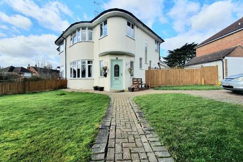 4 bedroom semi-detached house for sale - Freeman Avenue, Eastbourne
