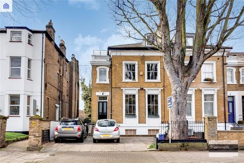 3 bedroom maisonette for sale - Ainsworth Road, London, E9