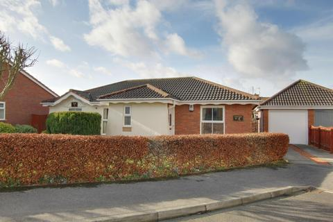 3 bedroom detached bungalow for sale - Aysgarth Rise, Bridlington, YO16 7HU