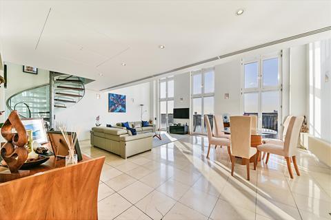 3 bedroom flat for sale - Vanguard Building, 18 Westferry Road, London, E14
