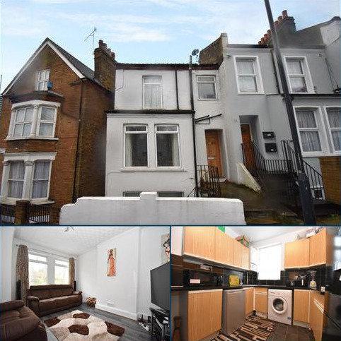 2 bedroom maisonette for sale - Vicarage Park London SE18