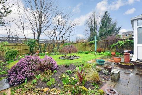 3 bedroom detached house for sale - Oakfield Drive, Reigate, Surrey