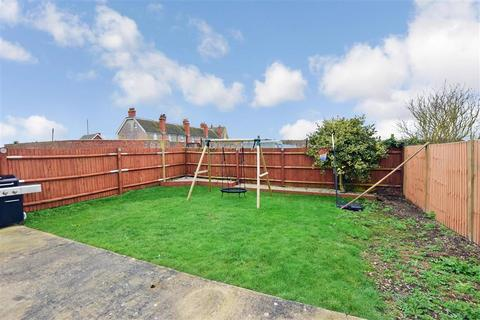 3 bedroom detached bungalow for sale - Lade Fort Crescent, Lydd On Sea, Romney Marsh, Kent