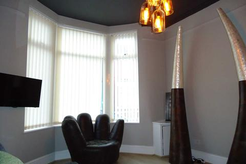 5 bedroom end of terrace house to rent - Malvern Road, Liverpool