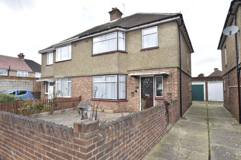 3 bedroom semi-detached house for sale - Edward Road, Bedfont, Middlesex, TW14