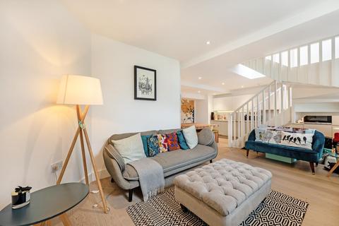 2 bedroom flat for sale - STEWARTS ROAD, SW8