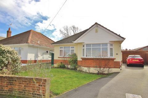 2 bedroom detached bungalow for sale - Denby Road, POOLE, Dorset