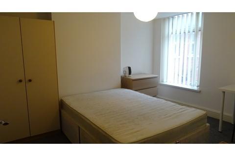 6 bedroom terraced house to rent - Strathnairn Street, Roath, Cardiff