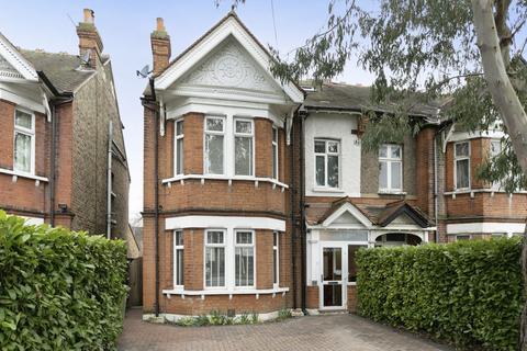 4 bedroom semi-detached house for sale - Hampton Court Way, Thames Ditton, KT7