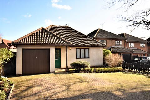 3 bedroom bungalow for sale - St. Davids Road Swanley BR8