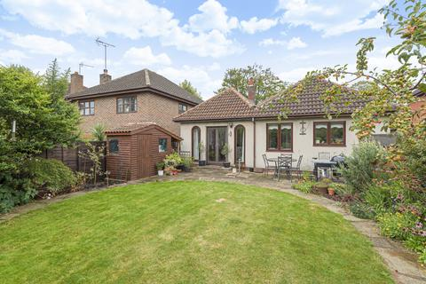 3 bedroom bungalow for sale - St. Davids Road, Swanley BR8