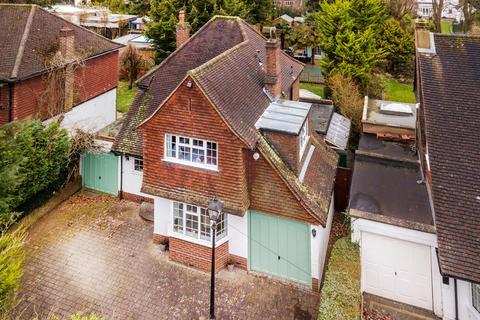 3 bedroom detached house for sale - Belmont Rise, Sutton