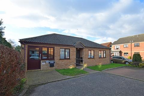 3 bedroom detached bungalow for sale - Lavender Court, King's Lynn