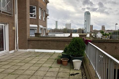3 bedroom flat to rent - Poseidon Court, Homer Drive, London