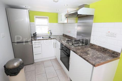 1 bedroom apartment to rent - St. Helens Road, Ilford