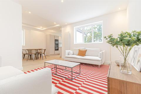 3 bedroom apartment for sale - Golders Gardens, NW11