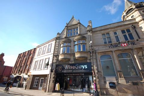 1 bedroom flat to rent - Top Flat, 25A Market Place, Sleaford