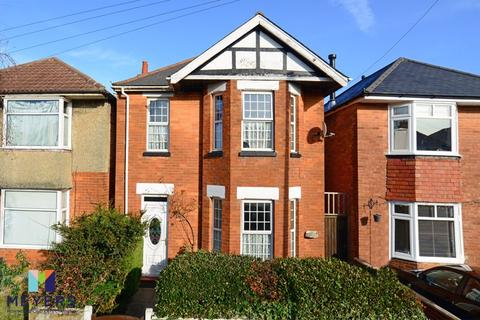 4 bedroom detached house for sale - Kimberley Road, Southbourne, BH6