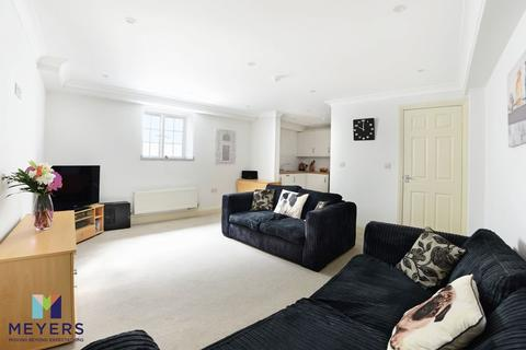 1 bedroom apartment for sale - Sea Road, Bournemouth, BH5