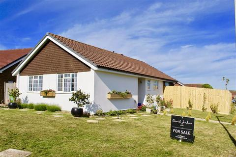 3 bedroom detached bungalow for sale - The Ridings, Seaford, East Sussex