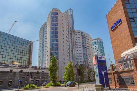 2 bedroom apartment to rent - Altolusso, City Centre
