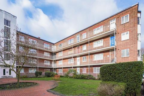 2 bedroom apartment to rent - Rosemont Road, London, W3