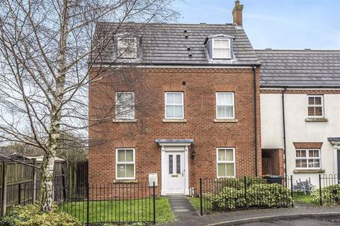 3 bedroom semi-detached house for sale - Abrahams Close, Bedford
