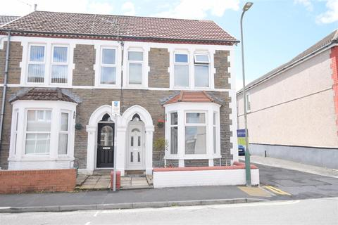 3 bedroom end of terrace house for sale - Bartlett Street, Caerphilly