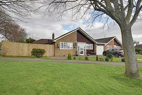 3 bedroom detached bungalow for sale - Crofton Park Avenue, Bexhill-On-Sea