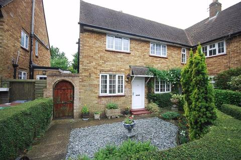 2 bedroom end of terrace house for sale - Mead Road, Shenley, Herts