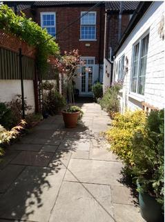 2 bedroom terraced house for sale - Spring Gardens, Newark