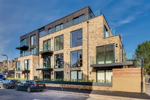 2 bedroom flat for sale - Larden Hall, Essex Park Mews, W3