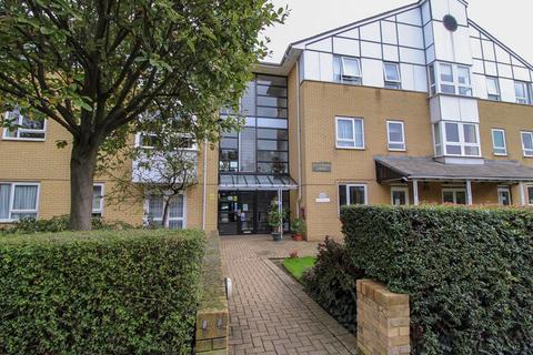 1 bedroom apartment for sale - Highwood Court, Potters Lane, New Barnet, Hertfordshire, EN5