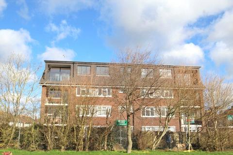 2 bedroom apartment to rent - Parkview Court, Jubilee Avenue, Rustington, Littlehampton