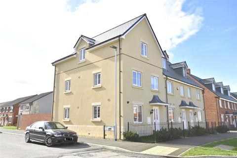 4 bedroom end of terrace house for sale - Vale Road, Bishops Cleeve, Cheltenham, Gloucestershire, GL52