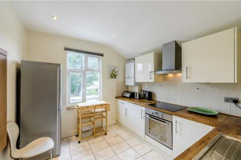 2 bedroom apartment for sale - Cambray Road, London, London, SW12