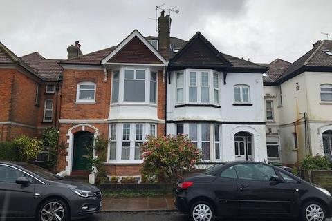 2 bedroom flat to rent - Egerton Road, Bexhill On Sea TN39