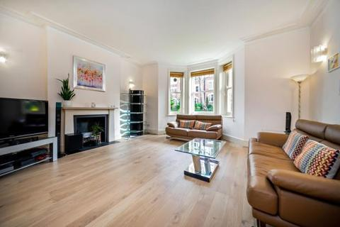 2 bedroom flat for sale - Honeybourne Road, West Hampstead, London, NW6