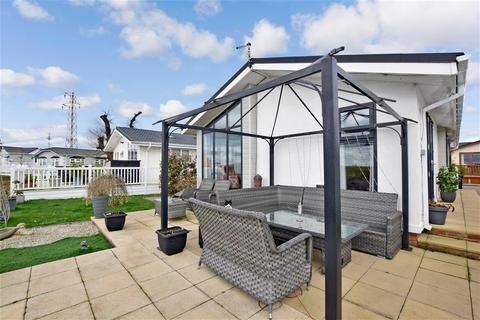 2 bedroom park home for sale - The Oaks, Battlesbridge, Wickford, Essex