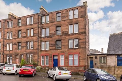 2 bedroom flat for sale - 2 3F2 St Clair Place, Easter Road, EH6 8JZ