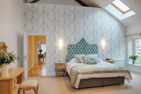 2 bedroom hotel room - Halcyon Retreat, Domaine de la Fot, 23300, Noth, France