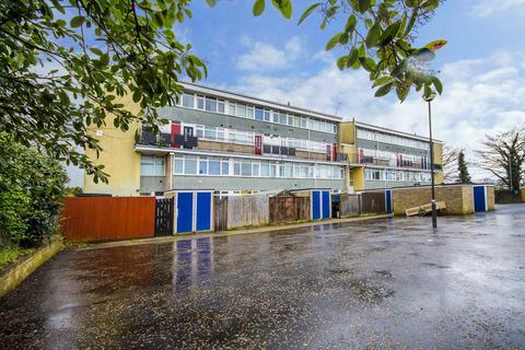 3 bedroom maisonette for sale - Northfields, Eaton