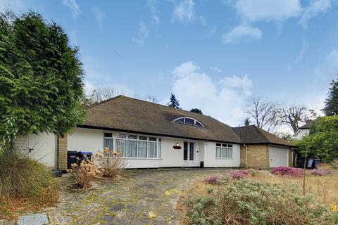 3 bedroom detached bungalow for sale - The Woodcote Estate, Purley