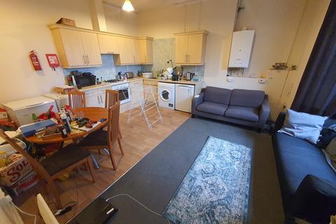 4 bedroom apartment to rent - Wimborne Road, Winton, Bournemouth