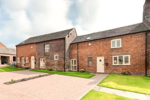 2 bedroom barn conversion to rent - Walford Lane, Standon, Stafford