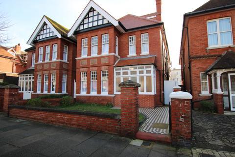 11 bedroom detached house to rent - Vallance Gardens, Hove, BN3