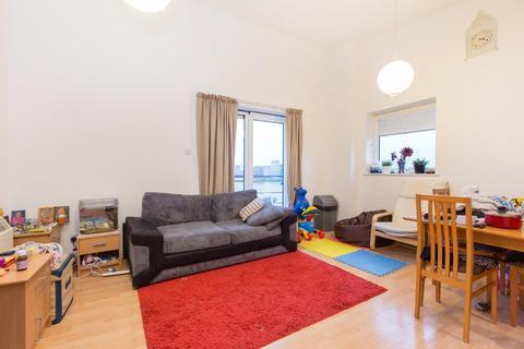 2 bedroom flat to rent - Lowestoft Mews, Royal Docks, E16